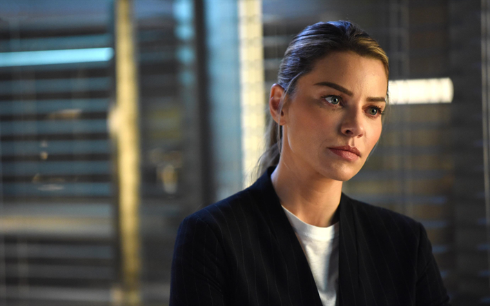 Chloe Decker, the best character in Lucifer season 5. The charming Chloe is the reason of increased number of views Of Lucifer.