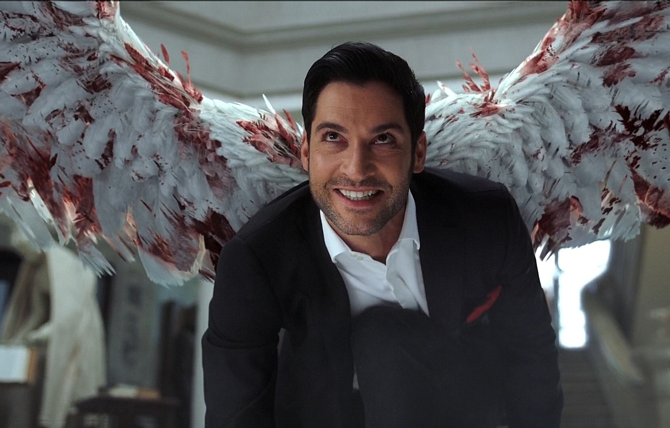 Handsome hunk, Tom Ellis is the lead in Lucifer. Played as Lucifer Morningstar is one of the best characters in Lucifer series.
